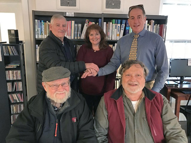 New Hope Automobile Show presents check to Free Library of New Hope-Solebury